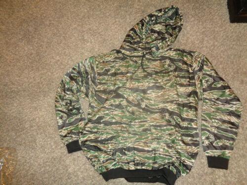 LARGE * Woobie Hoodie * WOOBIE GEAR (Poncho Liner Jacket) Tiger Stripe * NEW