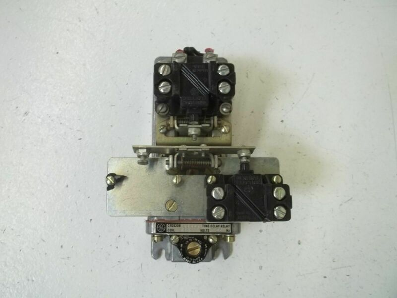 GENERAL ELECTRIC CR2820B114AA3 TIME DELAY RELAY *USED*