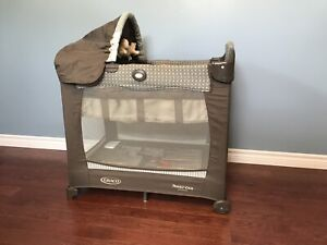 Graco lite crib with stages