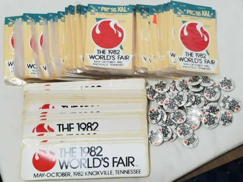 VINTAGE LOT OVER 200 THE 1982 WORLD