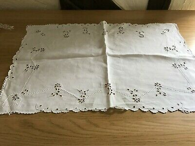 Vintage linen ecru traycloth with embroidery & cut outs. 55 cm X 36 cm