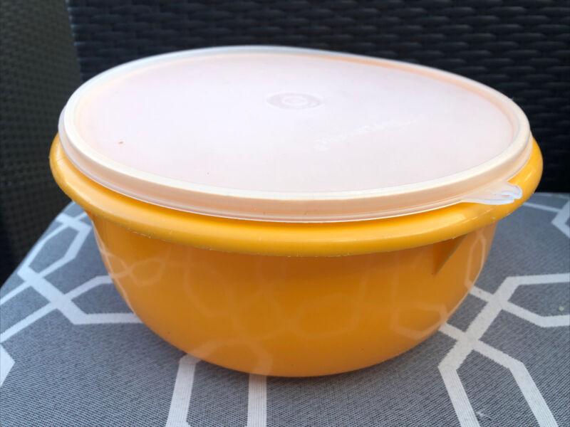Vintage Tupperware Mixing Bowl Yellow 12 Cup #272 & Sheer Lid #230