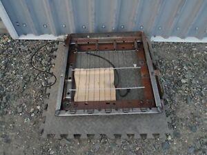 95 96 97 98 99 Chevy Tahoe Suburban GMC Yukon Seat Base Frame Driver LH
