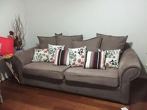 3 seater sofa in great condition Quakers Hill Blacktown Area Preview