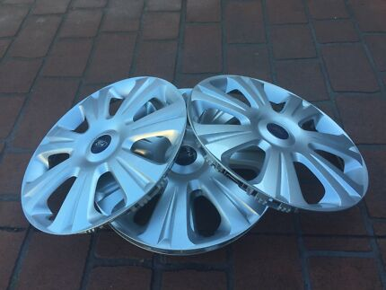 Ford falcon hubcaps set of 4 suit size 17  Edensor Park Fairfield Area Preview