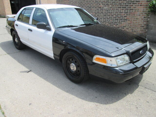 2010 Ford Crown Victoria  For Sale