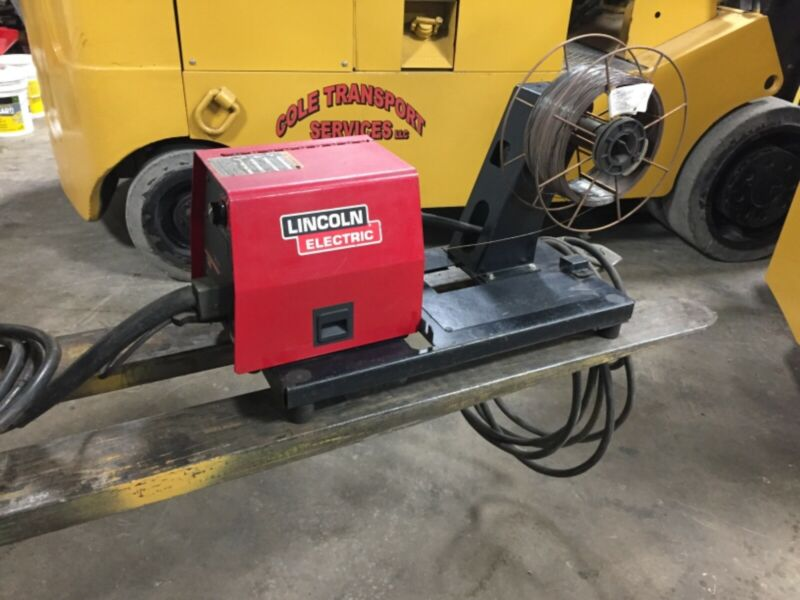Lincoln Electric LF-74 Wire Feeder w/Tweeco Gun