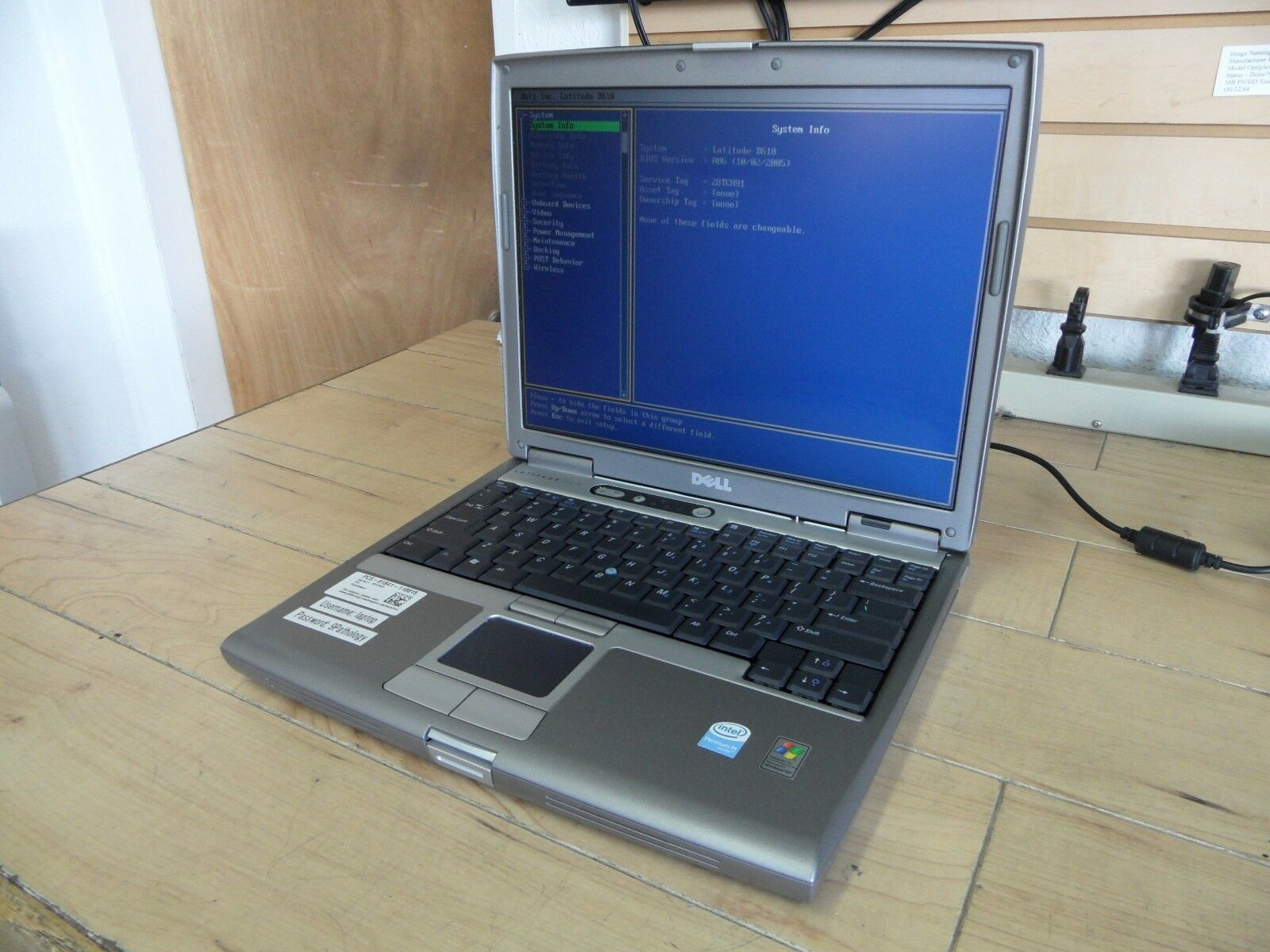 Dell Latitude D610 Laptop For Parts Posted Bios No Hard Drive *