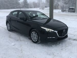 2018 Mazda 3 GS sport ONLY 4000 kms.