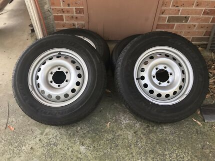 Toyota Hilux Wheels and Tyres