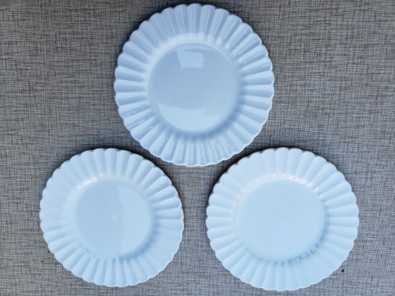 """Lot of three J G Meakin Classic White Round Pie Plate 7 """" England"""
