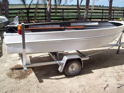 BOAT , MOTOR AND TRAILER