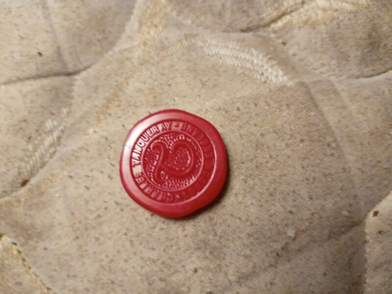 Tanqueray Plastic Seal Token Bottle Accent