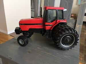Case IH 7120 with duals