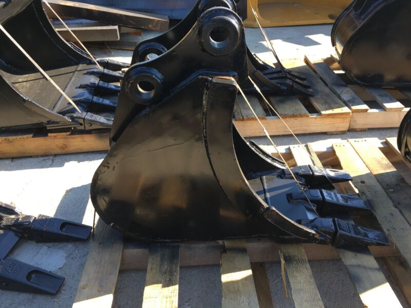 "New 12"" Heavy Duty Excavator Bucket For A Takeuchi Tb135"