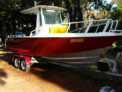 24 ft center console alloy fishing boat High Wycombe Kalamunda Area Preview