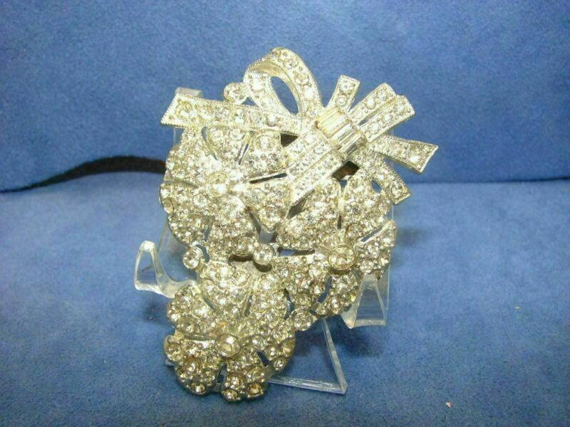 Vintage Art Deco Clear Pave Rhinestone Silver Tone Floral Dress Fur Clip