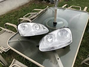 Headlights Volkswagen Jetta 2006