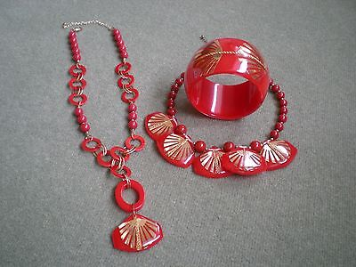 JOHNNY LOVES ROSIE RED AND GOLD NECKLACE AND BRACELET