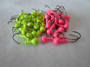 50 ct. - 1/16oz. Green Chart./Hot Pink  w/ Black Nickel Sickle Hook Crappie Jigs