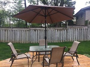 6 Piece Patio Set, Table 4 Chairs + Umbrella