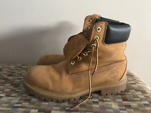 Leather timberland sz 6.5 men's or 8 ladies