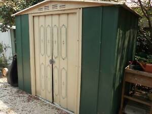"""Garden Shed (Victa """"Treco""""; metal), green/straw colour"""