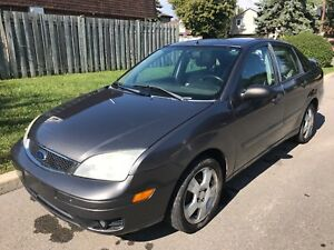 2006 Ford Focus ZX4...145 kms, auto, cuir, equippee