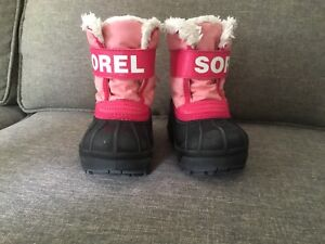 Toddler size 5 snow commanders