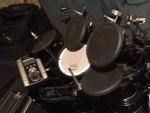 Roland TD9 electric drums