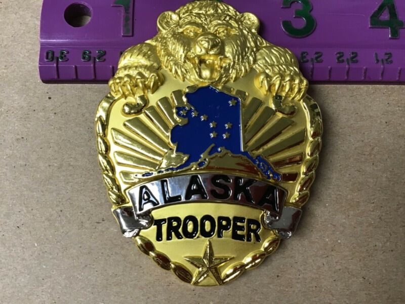 ALASKA STATE TROOPER Large Gold Color Collectible Souvenir Pin with Grizzly Bear