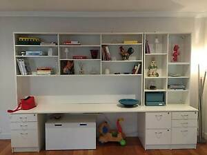 Quality Bookshelve / Desk Aspendale Gardens Kingston Area Preview