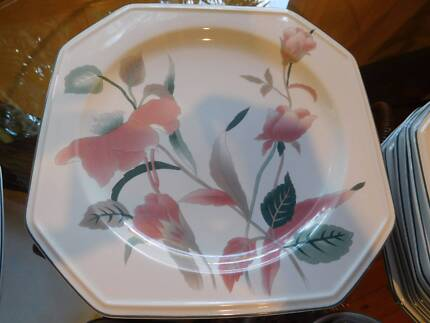 "Mikasa ""Silk Flowers"" 69 piece Dinnerware - near new condition Phillip Bay Eastern Suburbs Preview"