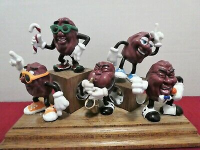 CALIFORNIA RAISIN BAND MUSICIANS ON WOODEN DISPLAY STAND ADVERTISING 1980's VTG