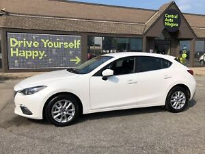 2015 Mazda Mazda3 GS / HEATED SEATS / BACK UP CAMERA / BLUETOOTH