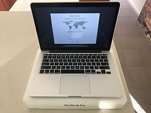 "13"" Apple MacBook Pro Retina 256gb (ME865X/A) Point Cook Wyndham Area Preview"