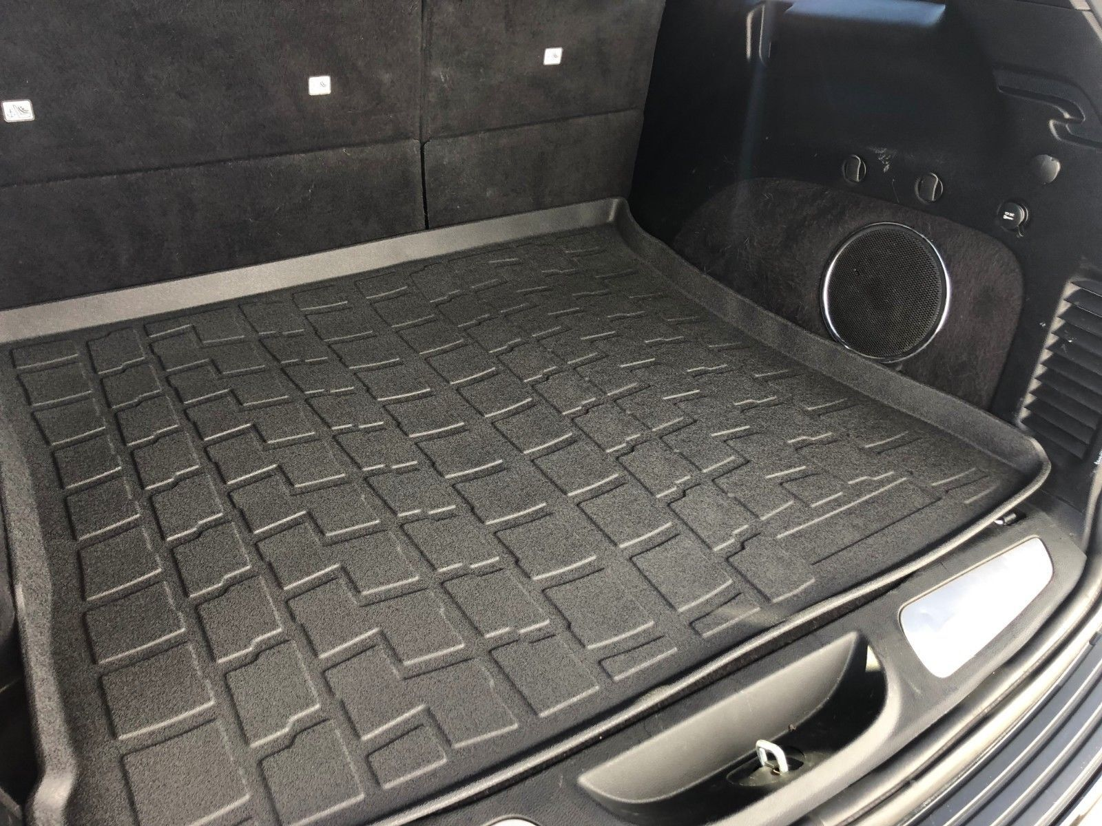 Large Heavy Duty Black Rubber Car Boot Mat Liner with Cutting Lines for BMW X3