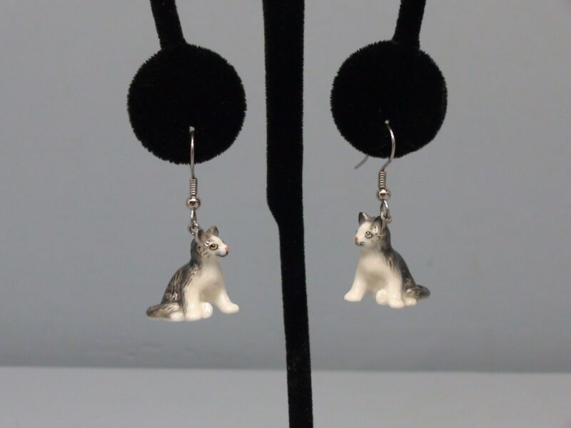 Beautiful Northern Rose Grey Cat Earrings