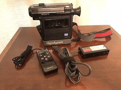 Sony Video 8 HandyCam CCD-V1 Camcorder Camera