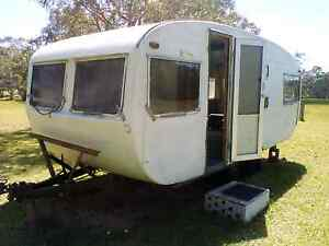 Caravan $500 Chain Valley Bay Wyong Area Preview