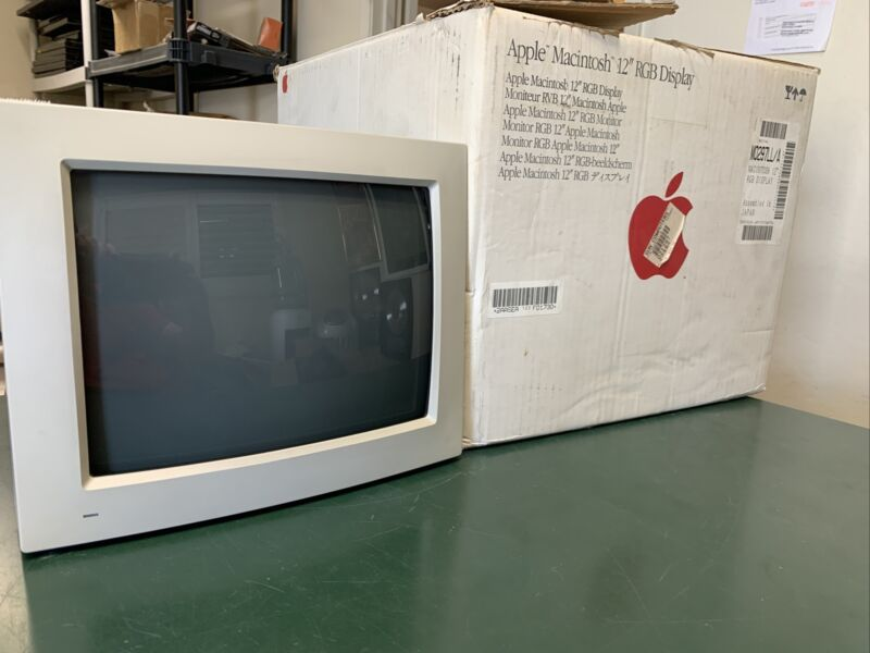 "Boxed Apple Macintosh 12"" RGB Display M1296 Monitor"
