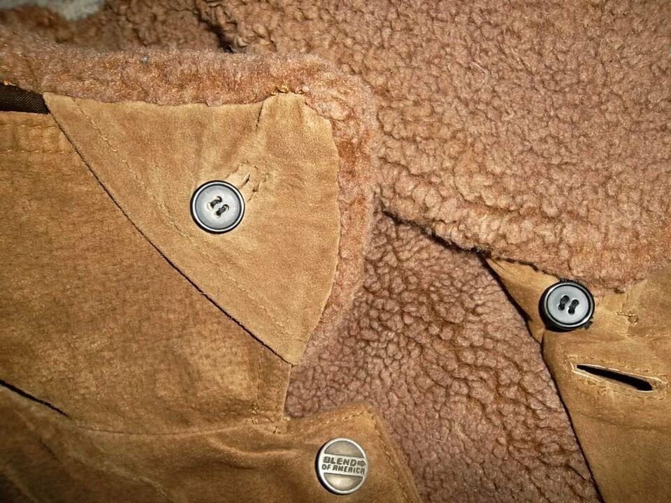 Neuwertige Wildlederjacke Blend Gr. XL mit Teddyfutter in Frohburg