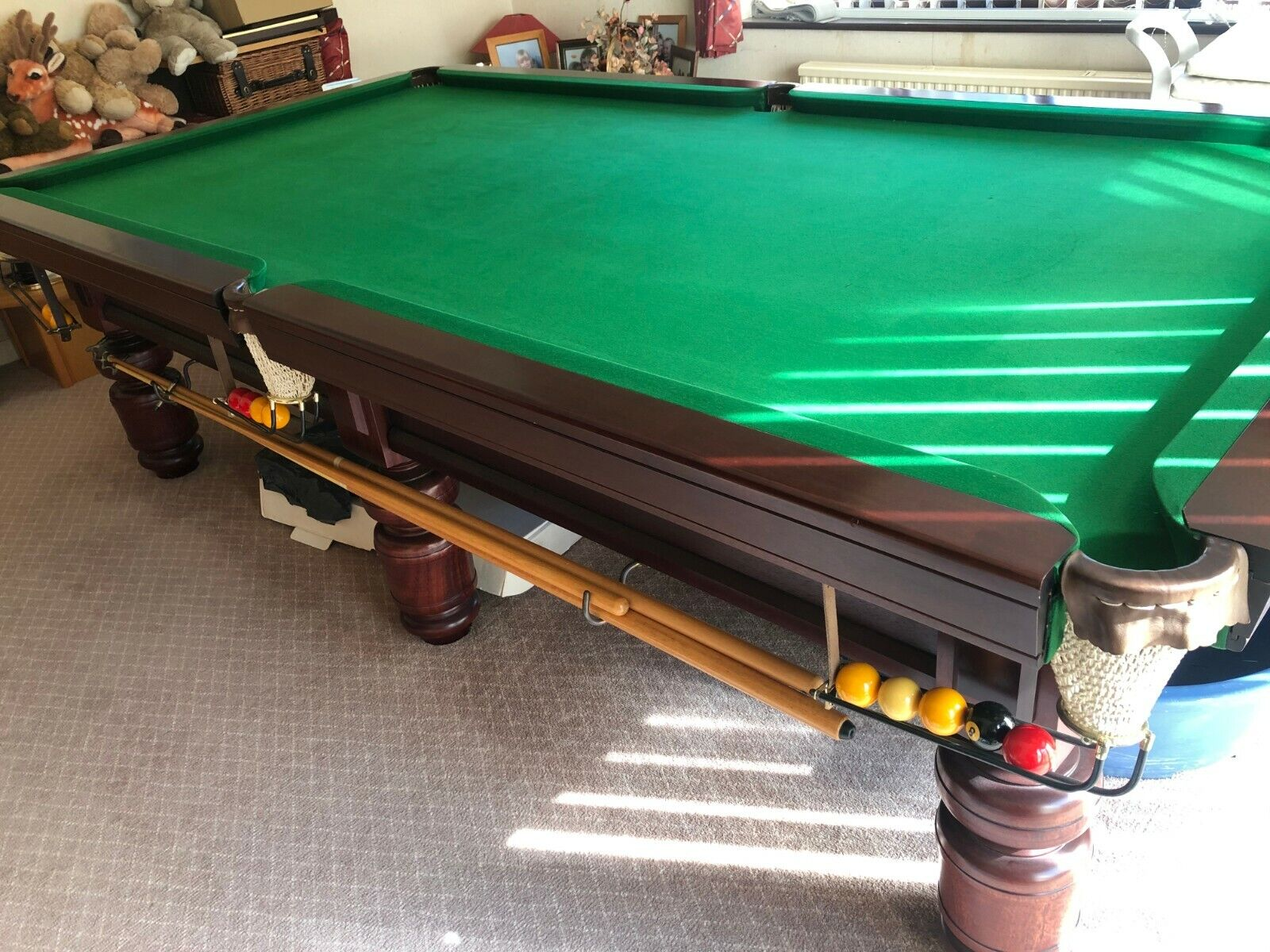 9 foot slate bed snooker table 6 legs with accessories including cues, light etc