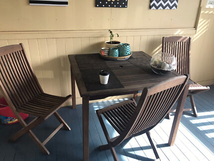 Outdoor dining table pine made in sweden3 chairsOutdoor