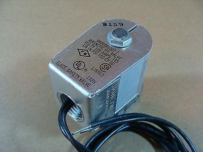 New Honeywell V4046b1007 Magnetic Oil Solenoid Valve 18 Npt 120v Coil 150 Psi