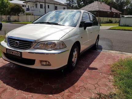 Beautiful Honda Odyssey Family Car For Sale