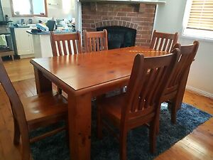Dinning room 6 seater table Carrington Newcastle Area Preview