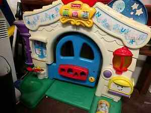 Kids play door / play house Rozelle Leichhardt Area Preview