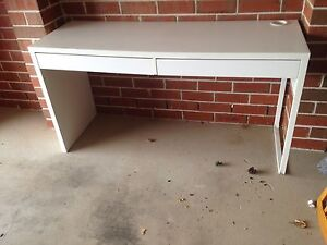 white Ikea desk Macquarie Links Campbelltown Area Preview