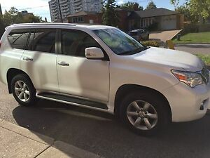 Lexus GX460 in excellent condition. Premium package
